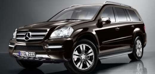 Obří Mercedes-Benz GL 450 CDI 4Matic.