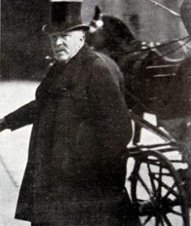 Ministr spravedlnosti Victor Hochenburger pád vlády přežil a stal se i ministrem nového kabinetu.