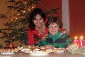 Alan s maminkou o loňsk�ch V�noc�ch.