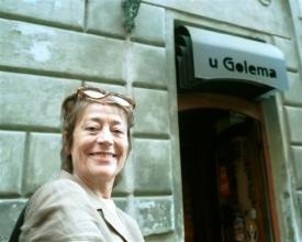 Slavná Annie Girardotová při návštěvě Prahy.