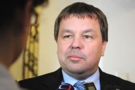 Další aktér zákulisních bojů, Petr Tluchoř.