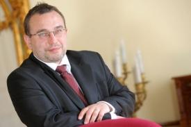 Ministr školství Josef Dobeš.