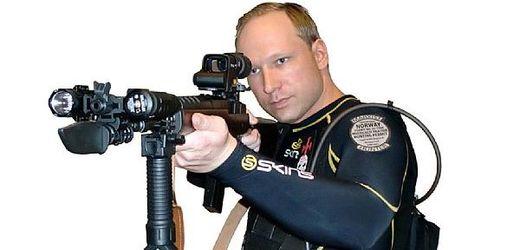 Anders Behring Breivik chystal masakr v Norsku rok a půl.