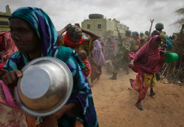 Přes 400 tisíc Somálců našlo útočiště v Keni. Také tam ale statisíce lidí hladovějí.