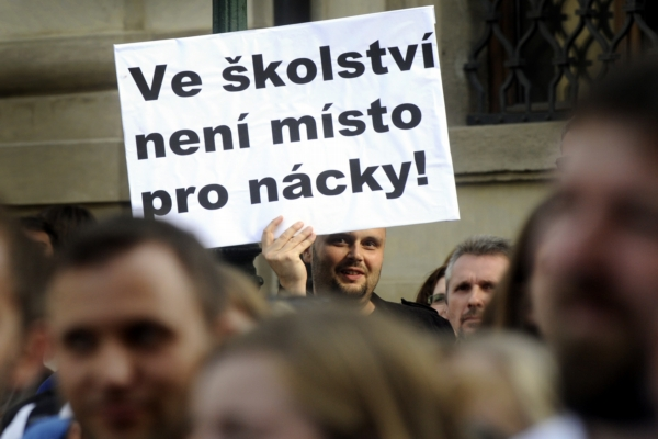 Protest proti Bátorovi.