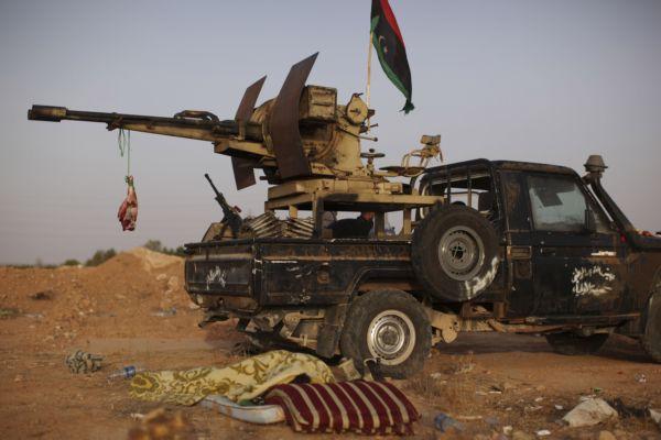 Libyi ale stále sužují boje.