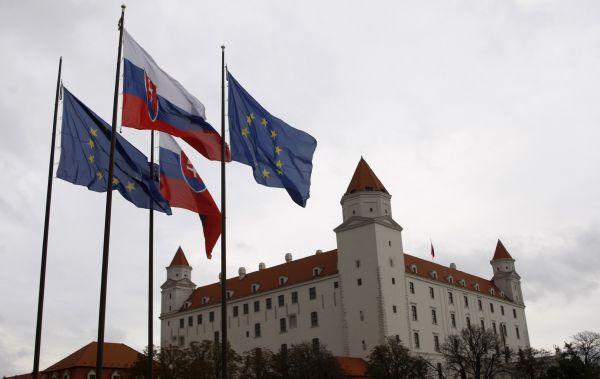 Unijní trpaslík dělá vrásky eurozóně.