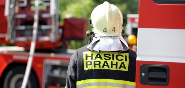 dc75be7f9a4 Praha plná požárů. Jedna žena popálení nepřežila