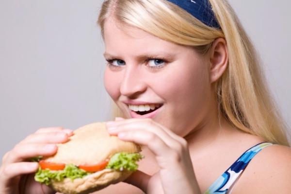 Obézní lidé se často pouštějí do nebezpečných diet.