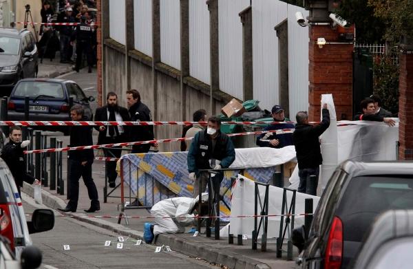 Neznámý útočník v pondělí zabil před židovskou školou v Toulouse tři děti a jednoho dospělého.