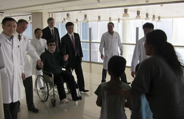 Čchen Kuang-čcheng v nemocnici v Pekingu.