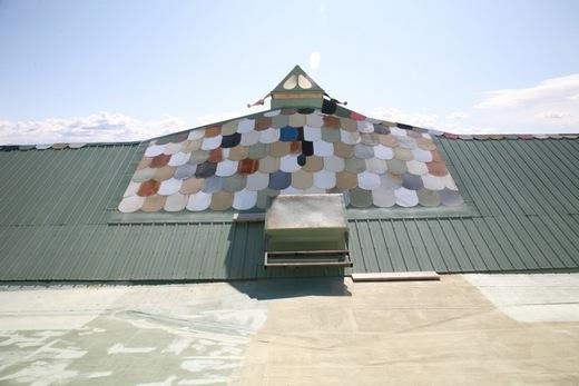 Braze Aluminium Panel : Architekt tvoří domy z odpadků jeden postaví za prahou