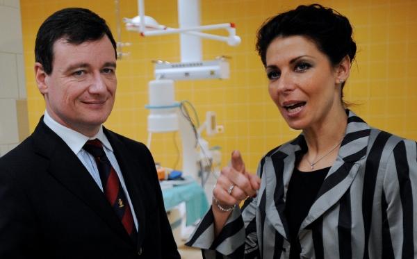 Poslanec ČSSD David Rath a ředitelka kladenské nemocnice Kateřina Pancová, kterou policisté rovněž v souvislosti s kauzou zadrželi.