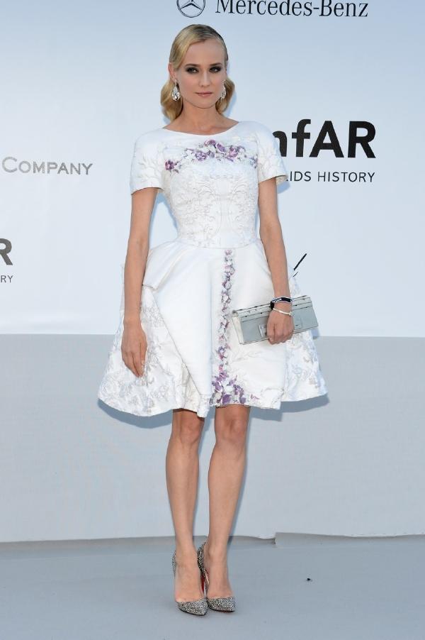 3818af9c8bf Diane Krugerová ukázala nohy v krátkých šatech.