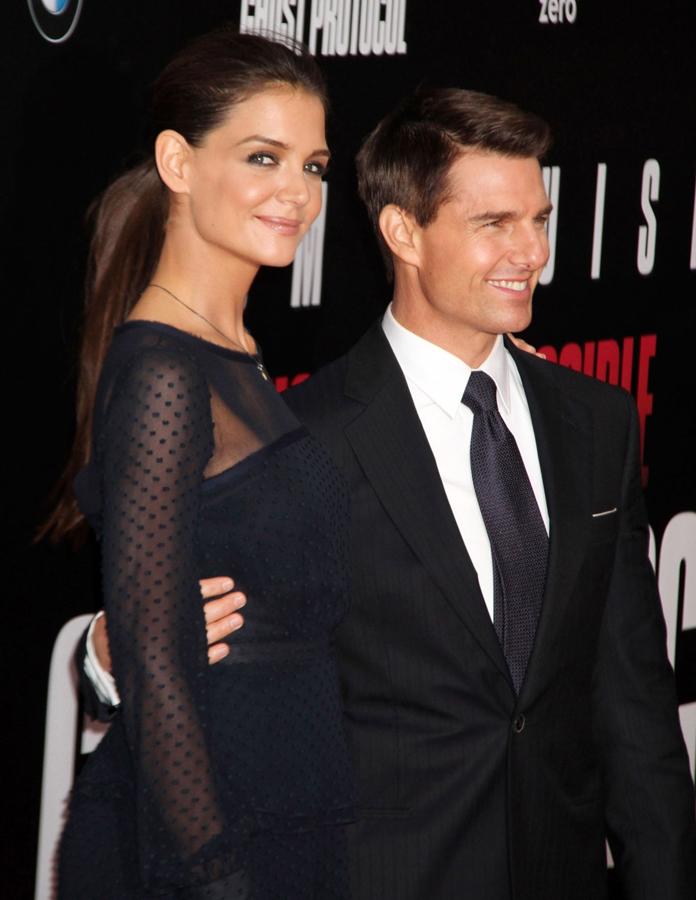 35358487533 A kdo že nejmocnějším hercem Hollywoodu  Podle Forbesu prý Tom Curise. Jeho  žena Katie