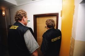 Exekuce se týkají starobních, invalidních i pozůstalostních důchodů.