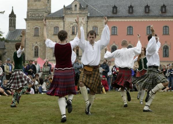 Skotské slavnosti probíhaly v sobotu na Sychrově.