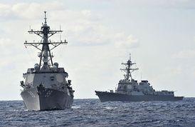 Plané gesto. Po zavraždění ambasadora poslali USA k libyjským  břehům dvě své vojenské lodě.