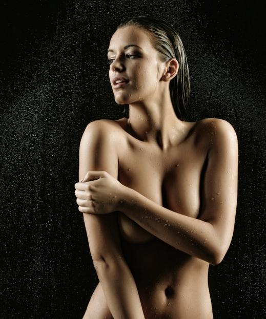 nahá děvčata pěkná prsa