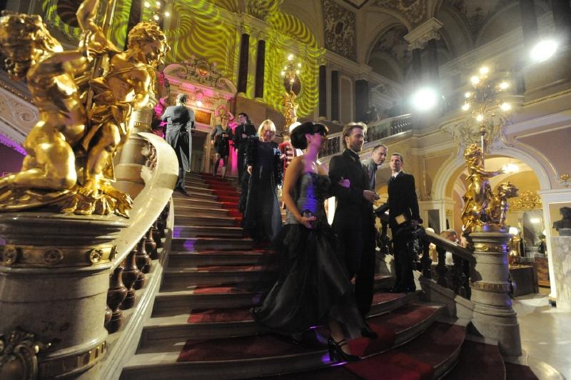 Ples v opeře Brno patří mezi společenské události roku.