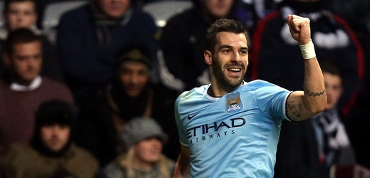 Fotbalista City Alvaro Negredo.