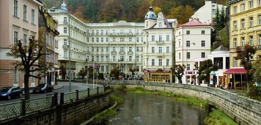7aa1fa20448 Před grandhotelem Pupp v Karlových Varech proběhnou slavnosti porcelánu.