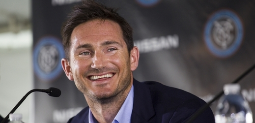 Frank Lampard na tiskové konferenci v New York City.