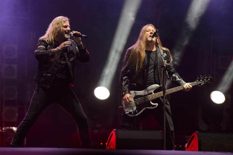 Skupina Kabát vystoupila v Praze na koncertě k 25. výročí vzniku kapely. 037cad831e5