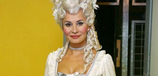 Monika Absolonová ztvárňuje v muzikálu Antoinettu.