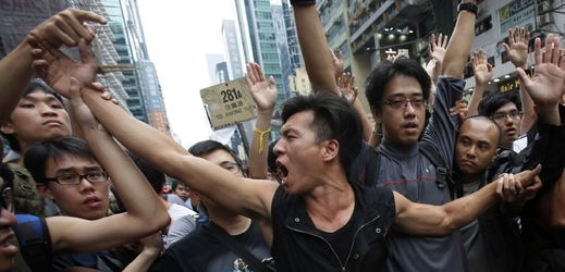 Demonstranti v Hongkongu.