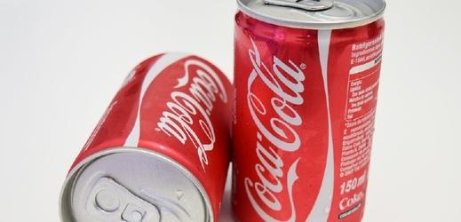 Plechovka coca-coly denně poškozuje DNA.