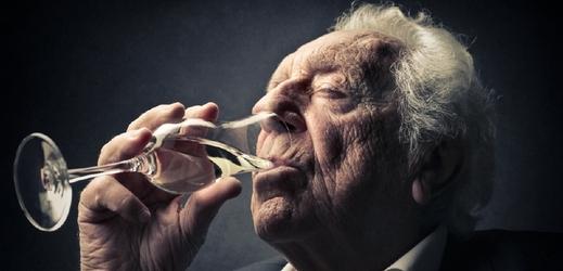 Sklenka alkoholu denně má dobrý vliv na paměť.