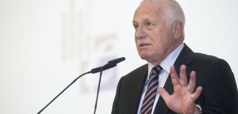 d68362dc652 Exprezident Václav Klaus vystoupil na VŠE.