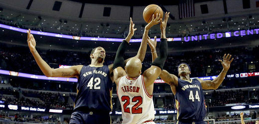 Basketbalisté Chicaga Bulls zdolali v NBA New Orleans 107:100.