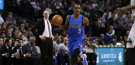 Basketbalista Rondo z Dallasu.