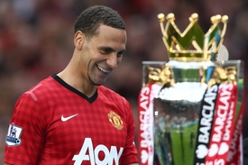 Rio Ferdinand opustil Manchester United a stal se oporou Queens Park Rangers.