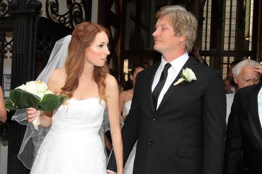 Manželství nezasahuje do aradramu
