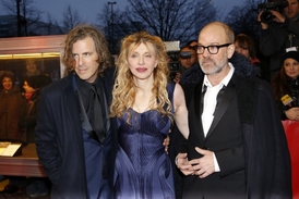 Brett Morgen, Courtney Loveová a Michael Stipe na premiéře filmu Cobain: Montage Of Heck.