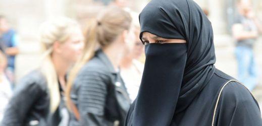 Sedm belgických muslimek odsouzeno za džihád (TÝDEN.cz)