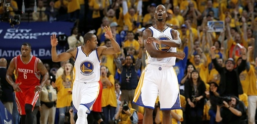 Basketbalisté Golden State Warriors na úvod semifinálové série NBA porazili Houston 110:106.