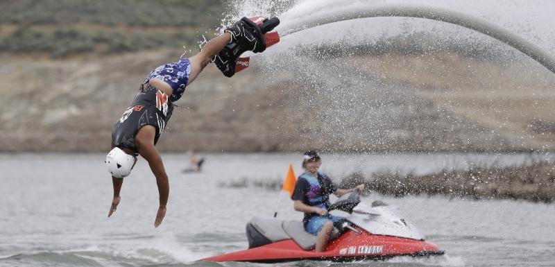 profesionální první doprovod vodní sporty