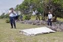 Nalezená část letadla na ostrově Réunion.