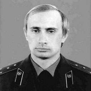 Putin v uniformě KGB.