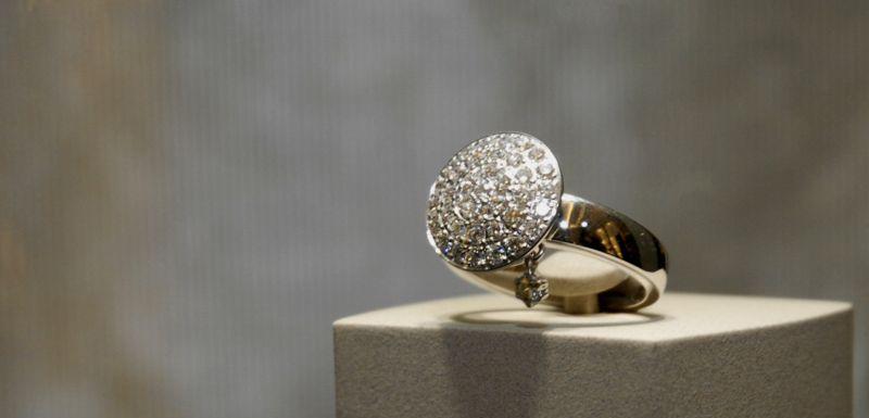 180f0db45 Hodnota zabavených šperků přesahuje milion korun (ilustrační foto).