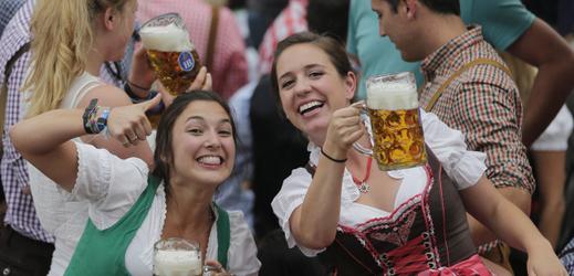 Petice požadují zákaz Oktoberfestu. Prý uráží muslimy (TÝDEN.cz)