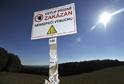 Do areálu muničního skladu Vrbětice je vstup zakázán.