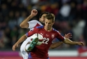 Vladimír Darida v zápase s Tureckem.