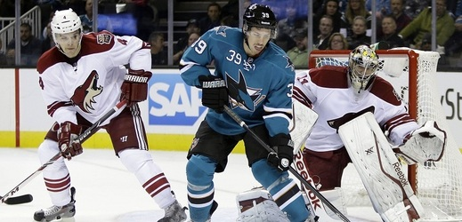 Zleva: Zbyněk Michálek, Logan Couture a Mike Smith.