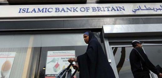Bankovní šaría. Evropou se šíří islámské finančnictví (TÝDEN.cz)