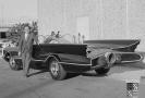 Designer a konstruktér George Barris s Batmobilem.